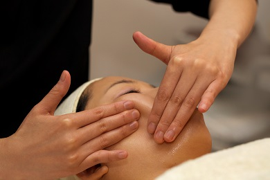 Japanese Organic Face Lift Massage