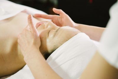 Facial lymphatic massage
