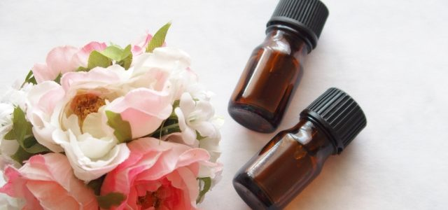 "Rose bath and bath oil to increase your ""happy hormone""! 