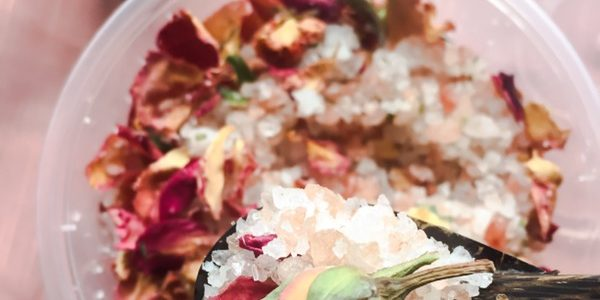 """Rose bath salt to increase the """"happy hormone""""   For Seasonal Affective Disorder"""